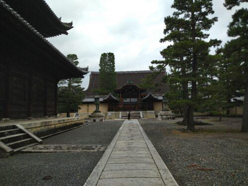 妙心寺の本堂
